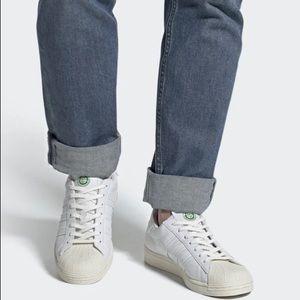 Adidas Originals Clean Sneakers & FREE socks